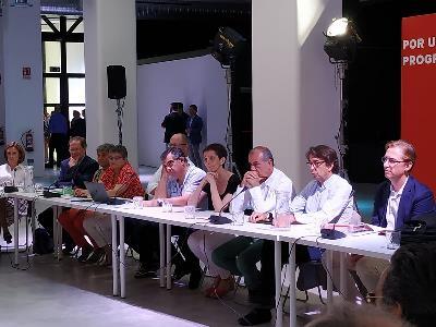 Representantes del CERMI durante la reunión