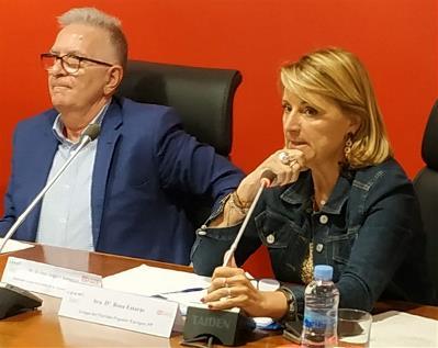 Rosa Estarás, en representación del Grupo del Partido Popular Europeo, y Miguel Ángel Chamorro, PSOE