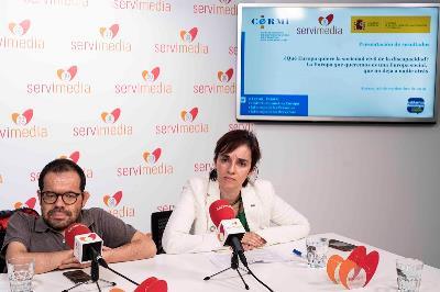 Jesús Martín, delegado del CERMI para los Derechos Humanos y para la Convención de la ONU junto a Pilar Villarino, directora ejecutiva del CERMI