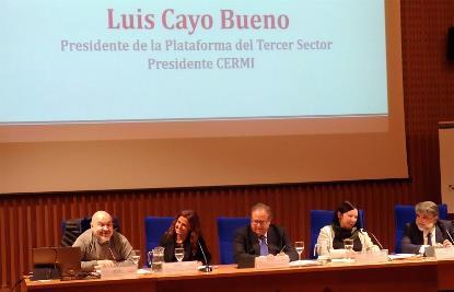 """el presidente del CERMI, Luis Cayo Pérez Bueno, durante su participación en la mesa """"El Estado del Bienestar en el marco del Pilar Europeo de Derechos Sociales y de la Agenda 2030"""""""