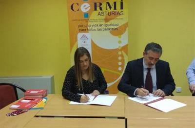 Firma del convenio entre CERMI Asturias y Gaes.