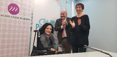 El CERMI premia a la exsenadora Virginia Felipe como ejemplo del aumento de la presencia de mujeres con discapacidad en la vida política