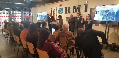 Imagen de la ceremonia de entrega del Premio cermi.es al jurista Antonio Pau