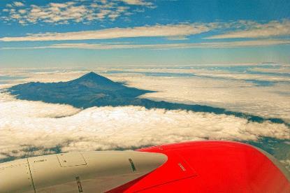 El Teide, visto desde un avión.
