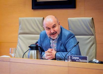 el presidente del CERMI, Luis Cayo Pérez Bueno, en la Comisión para la Reconstrucción Económica y Social del Congreso de los Diputados