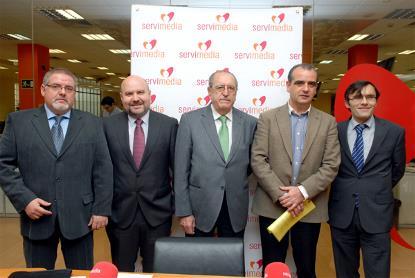 Representantes de la Plataforma de ONG de Acción Social (POAS), la Plataforma de Voluntariado en España (PVE), la Red Europea de Lucha contra la Pobreza y la Exclusión Social (EAPN-ES) y el CERMI