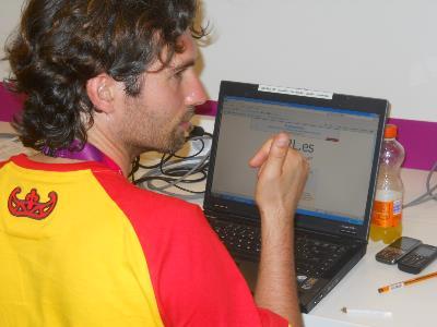 Mario, escribiendo una crónica en los Juegos.