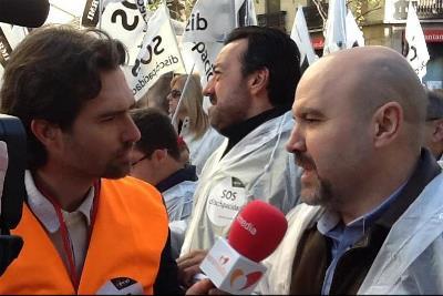 García, entrevistando al presidente del CERMI.