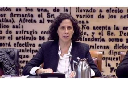 Ana Peláez durante una intervención en uno de los múltiples foros en los que participa como activista por los derechos de las mujeres con discapacidad