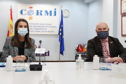 La Reina Letizia junto a Luis Cayo Pérez Bueno, presidente del CERMI