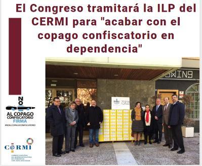 Cartel con representantes del CERMI en el que se informa de la tramitación de la ILP.