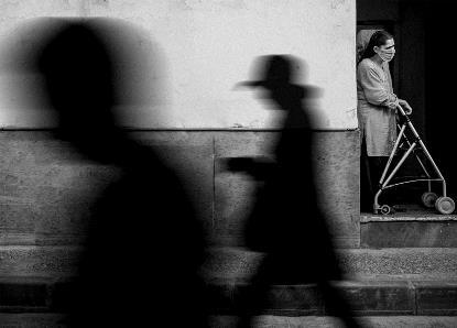 'Mientras el mundo se mueve' de Francisco Javier Domínguez ha resultado galardonada con el primer premio