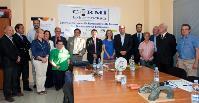 Foto de familia del encuentro del CERMI Extremadura con el presidente del Gobierno de Extremadura, José Antonio Monago