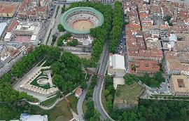 Pasarela accesible en el entorno de Labrit, en Pamplona