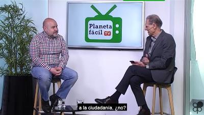 José Manuel González Huesa, director cermi.es semanal y director general de Servimedia entrevistando al presidente del CERMI, Luis Cayo Pérez Bueno en Planeta Fácil TV