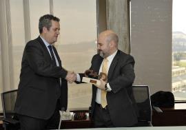 Transports Metropolitans de Barcelona recibe el premio cermi.es 2012 de accesibilidad universal