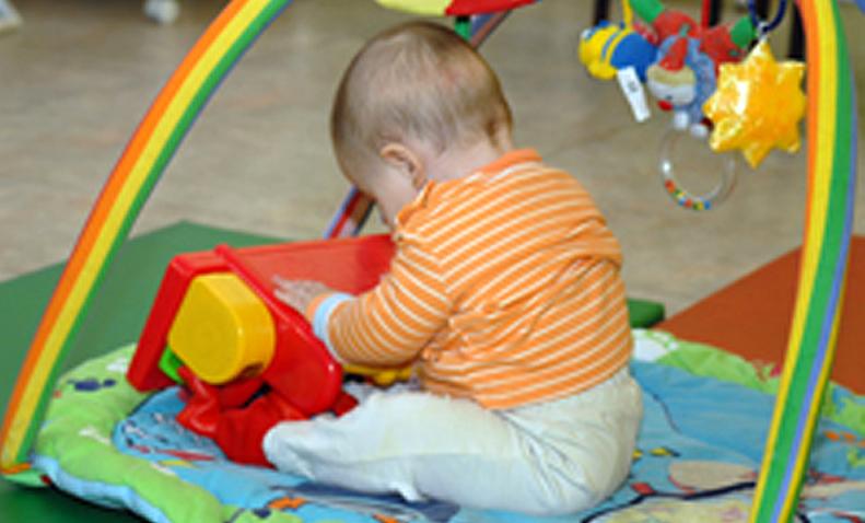 Bebé jugando