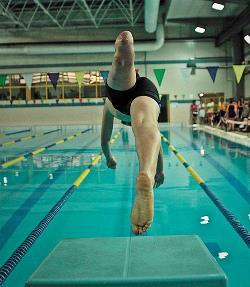 Lanzándose a por todas en el Campeonato AXA de Promesas Paralímpicas de Natación (Madrid, febrero de 2012).
