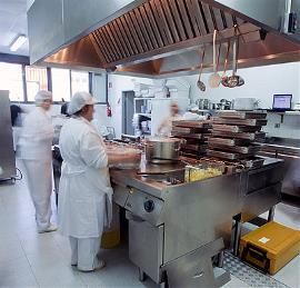 Momento de la cocina en 'Depersonas, cocinando con sentido'