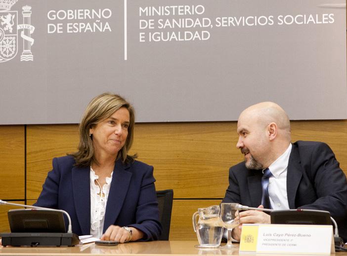 Ana Mato, ministra de Sanidad, Servicios Sociales e Igualdad y Luis Cayo Pérez Bueno, presidente del CERMI