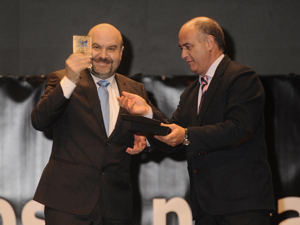 Luis Cayo Pérez Bueno, presidente del CERMI, recibe la distinción en la Gala Ávila Ciudad Accesible 2011