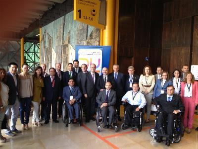 Representantes del colectivo de la discapacidad en el Foro internacional de diseño universal y movilidad