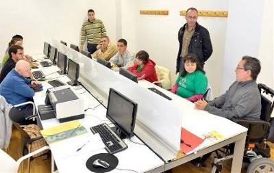 Cermi Es Semanal Cermi Es Semanal Nº 99 Nuevos Cursos De Informática Y Redes Sociales Para Personas Con Discapacidad Intelectual