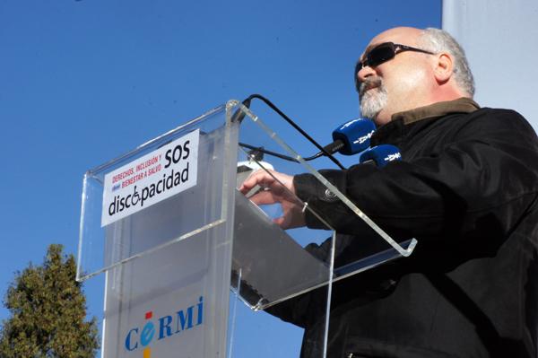 El presidente del EDF, Yannis Vardakastanis durante su participación en la marcha SOS Discapacidad