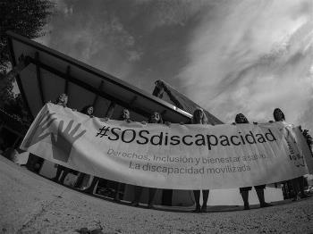 """Imagen realizada durante el 'making of"""" del primer calendario erótico de mujeres con discapacidad de CERMI Comunidad Valenciana"""