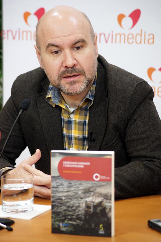 Luis Cayo Pérez Bueno, presidente del CERMI durante la presentación del 'Informe sobre la situación de los derechos humanos y de las personas con discapacidad en España en 2012'