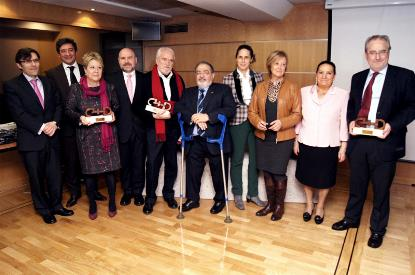 Foto de familia tras la entrega de los Premios cermi.es a las Instituciones Europeas en España