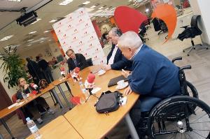 Mesa del CERMI sobre Adaptación de vehículos para la movilidad de personas con discapacidad
