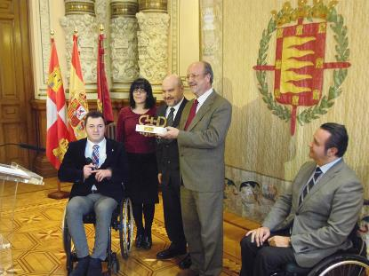 El Plan Municipal de Accesibilidad del Ayto. de Valladolid recibe el Premio Cermi.es 2013