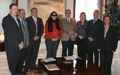 El presidente de la Comunidad recibe a la junta directiva del CERMI REgion de Murcia