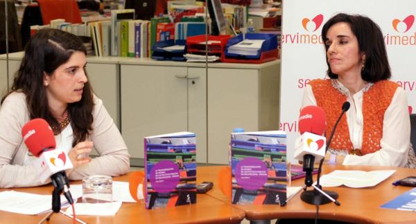 Mercedes Pérez de Prada, representante del Área de Género del CERMI y Pilar Villarino, directora ejecutiva del CERMI
