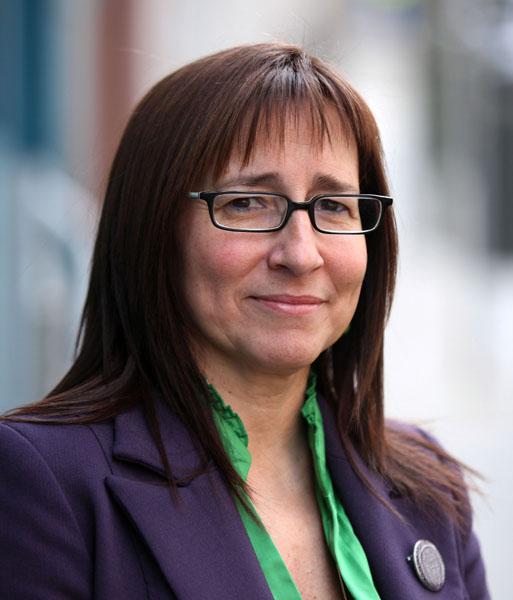 Mª Luz Sanz Escudero, Presidenta de la Comisión de Educación y Cultura del CERMI y Representante del CERMI en el Consejo Escolar del Estado