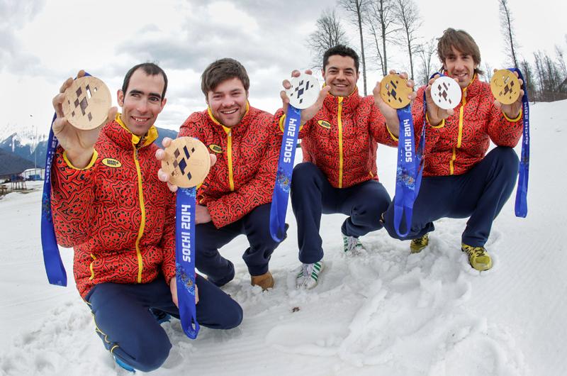 Gabriel Gorce, Arnau Ferrer, Miguel Galindo y Jon Santacana, con sus medallas de Sochi 2014