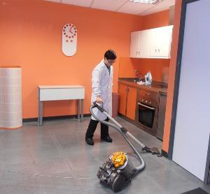 Aprendiendo tareas domésticas en el Centro de Promoción de la Autonomía Personal en la Asociación Síndrome de Down Burgos