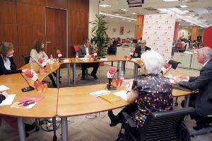 Imagen general de la Mesa redonda del boletín del CERMI con responsables y expertos de RSE