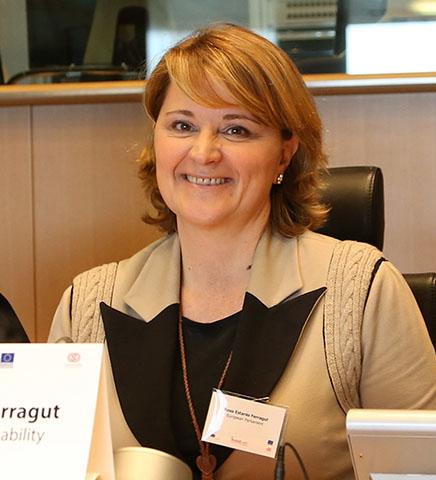 Rosa Estaràs Ferragut. Eurodiputada. Miembro del Grupo Popular Europeo