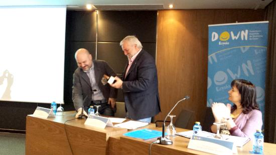 Down España recibe el premio Cermi.es 2013 por su labor de sensibilización social hacia las personas con síndrome de Down