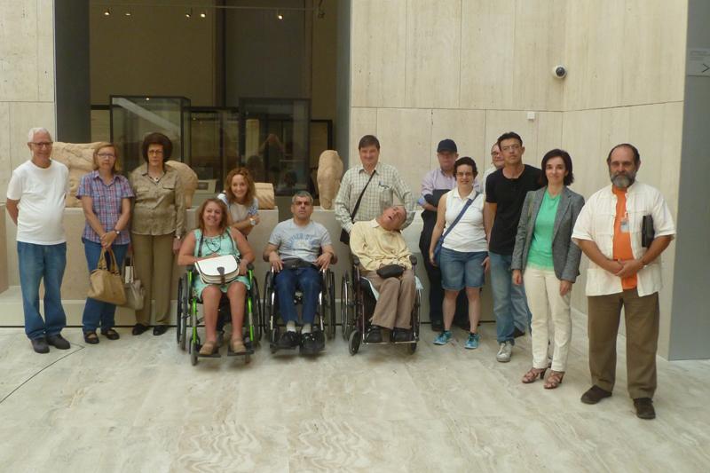 Visita del CERMI al Museo Arqueológico Nacional