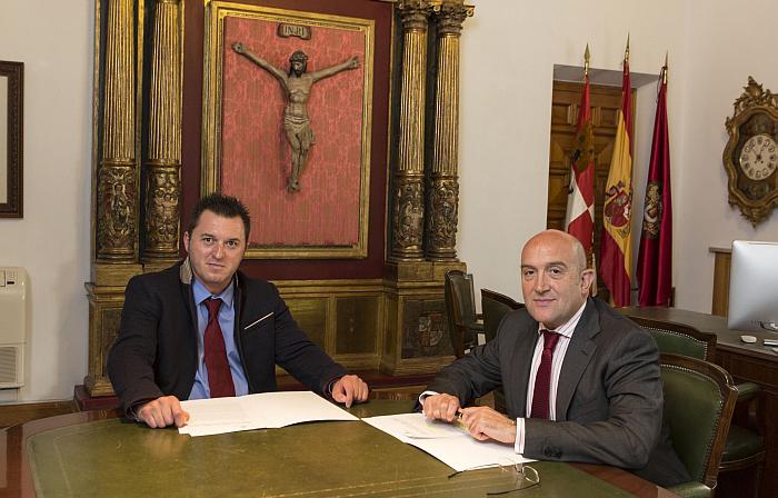 Francisco Sardón, presidente de Cermi CyL y Jesús Julio Carnero, presidente de la Diputación Provincial de Valladolid
