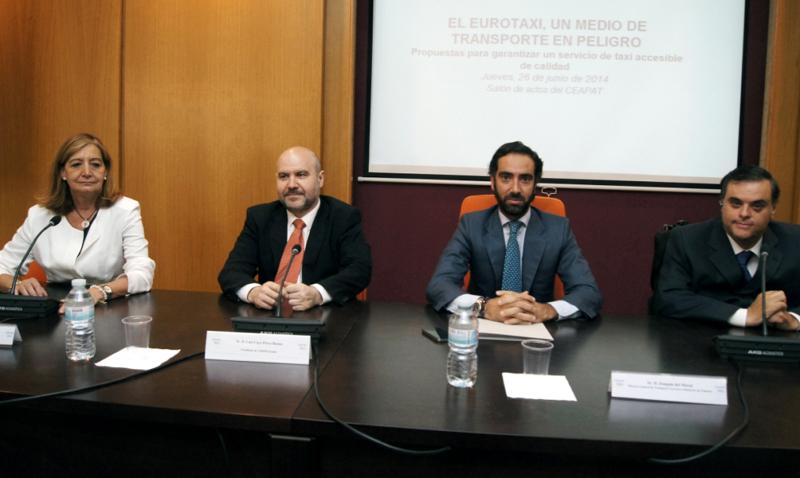 Inauguración de la jornada El Eurotaxi, un medio de transporte en peligro