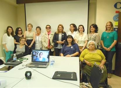 La Secretaria de Estado de Servicios Sociales e Igualdad con la Comisión de la Mujer del CERMI
