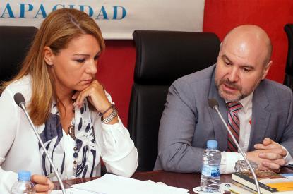 Susana Camarero, secretaria de Estado de Servicios Sociales e Igualdad, junto a Luis Cayo Pérez Bueno, presidente del CERMI