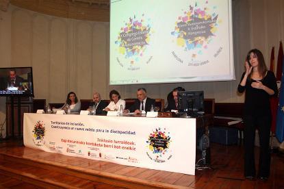 La presidenta del Gobierno navarro, Yolanda Barcina, inaugura el X Congreso de CERMIS Autonómicos